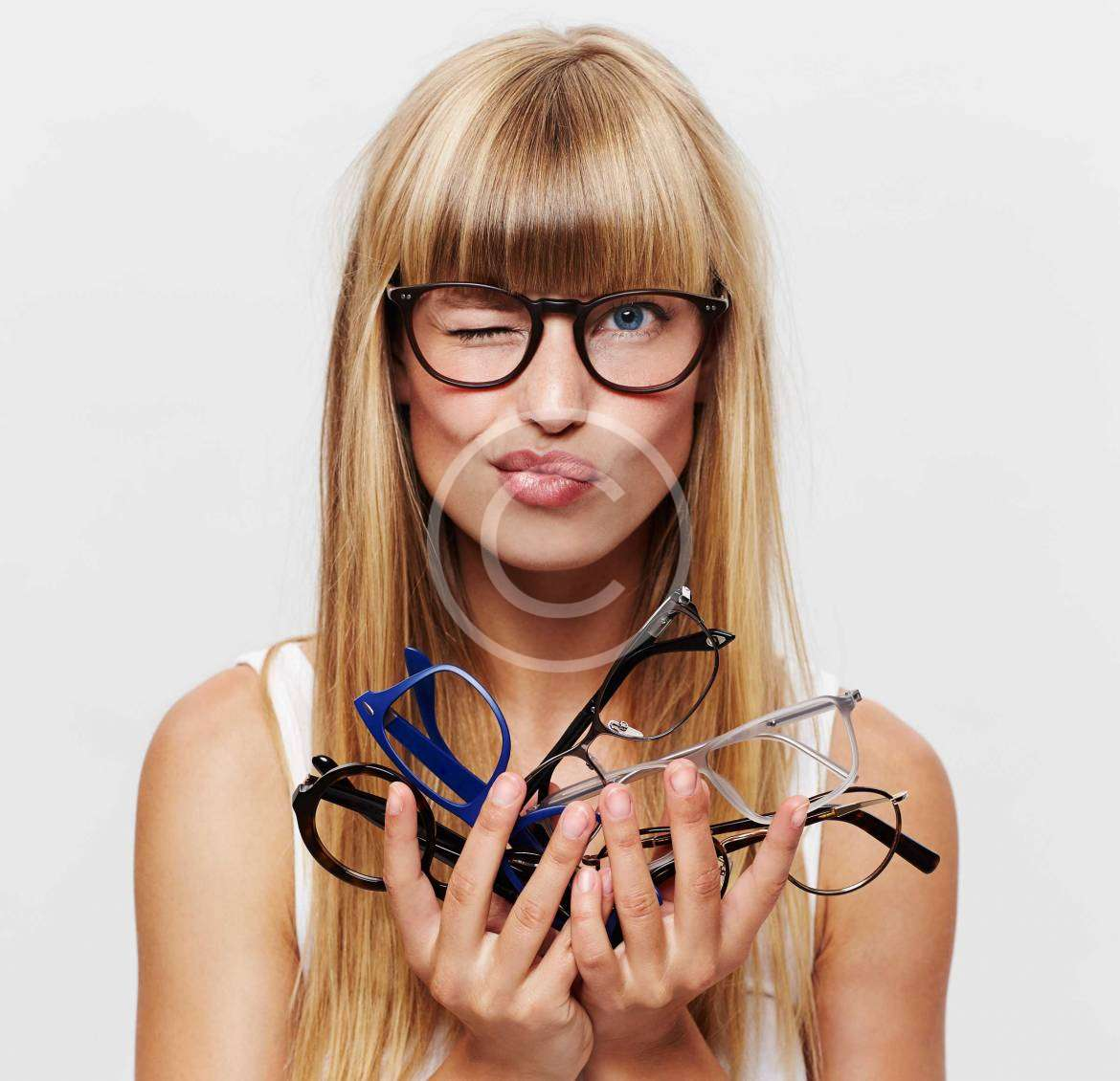 Latest Frame Trends in Our Shop